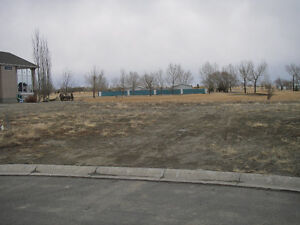 GOLF COURSE LOT FOR SALE IN CLARESHOLM, AB