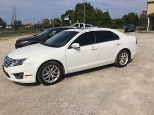 2011 FORD FUSION SEL LOW KMS EXCELLENT CONDITION GAS SAVER