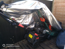 Garden maintenance / Handyman services.