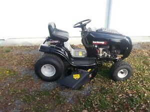Yard Machines 14.5 HP Lawn Tractor for Sale 2016 Cornwall Ontario image 8