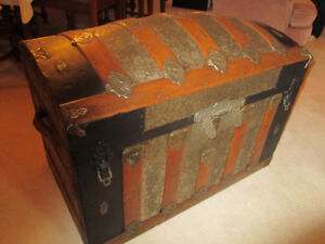 Beautiful Antique Dome-Style Steamer Trunk circa 1870-1880s