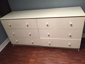 Dresser in perfect condition