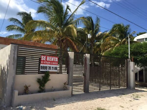 Casa in Progreso with pool, steps away from water