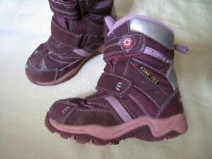Girls winter boots size 9
