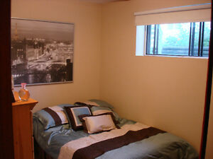 Spacious Grovenor Suite with Office and Sauna Edmonton Edmonton Area image 7