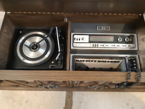 Vintage Console Stereo (Record Player/8 Track/AM/FM)