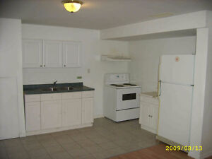 Best Location 3 bedroom Apt for Group students