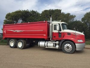 2006 Mack AUTOSHIFT Grain Truck
