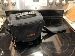 Lowepro small DSLR bag embroidered with Canon