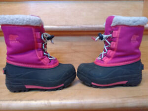 Sorel snow boots for girls size 9