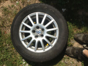 Set of 15 inch vw alloys with tires