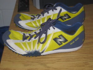 Long Distance Track and Field Running Shoes (spikes)