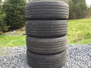 Four Michelin 215/55R17 Summer Tires
