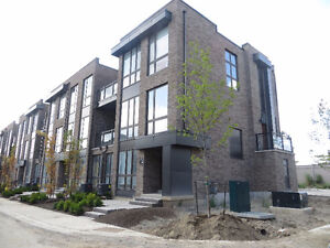Bathurst and Rutherford NEW Senator Townhome END UNIT