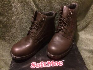 Mens boots - size 9