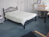 Double room in two bedroom flat close to city centre