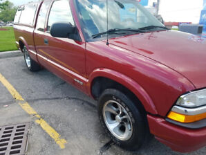 2001 CHEVROLET TRUCK S 10 LS 4+CAB 2WD - LOW KM'S
