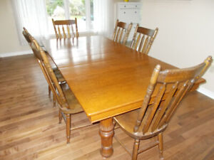 Antique Oak Dining Table - 6 Chairs