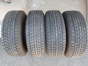 4 pneus Dunlop GrandTrek  SJ6 - 265 x 70 x R17 Hiver