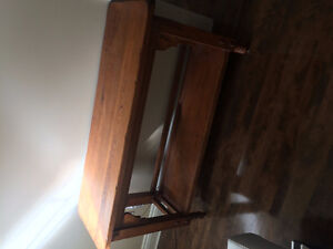 Console table - distressed pine West Island Greater Montréal image 2