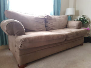 Couch for sale in Oakville - Cheap