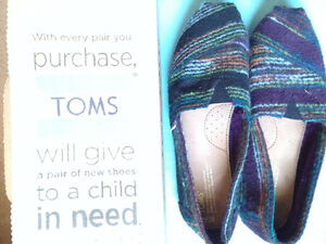 Women's Multicoloured Patterned Toms