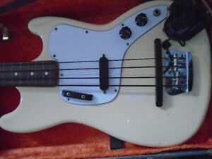 BASSE RARE FENDER MUSICMASTER 1976 et pick up synth GK-3B Roland