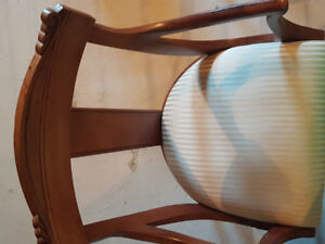 Dining Room Table Set w/chairs - excellent condition!