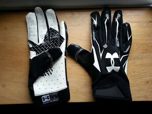 Under Armour football gloves adult small