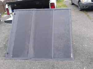 Tonneau Covers for newer Dodge shortbox