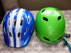 "1 BLUE BICYCLE HELMET,  48""-52 CM $10."