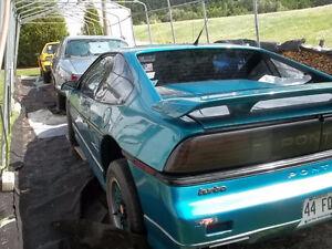 1986 Pontiac Fiero Coupé (2 portes) Saguenay Saguenay-Lac-Saint-Jean image 4