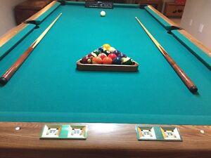 4 x 8 - Brunswick Buckingham Boston pool table