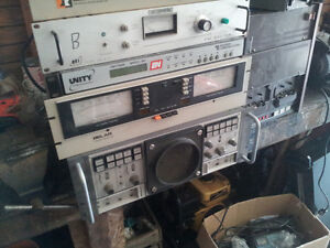 LOTS OF VINTAGE/ANTIQUE RADIOS/RADIO STATION/DJ EQUIP ETC Belleville Belleville Area image 7