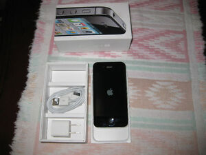 IPhone 4S Black 32GB excellent condition Unlocked