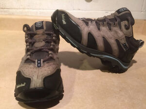 Women's Timberland Hiking Shoes Size 8 London Ontario image 1