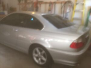 Damaged 2003 BMW 3-Series Coupe (2 door)