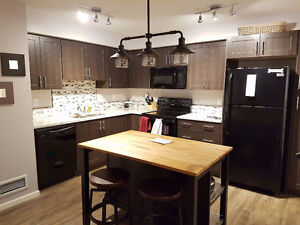 Room for Rent - 2 bed 2 bed Condo located in Copperfield