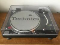 TECHNICS SL1210 MK 2 TURNTABLE WITH ORIGINAL LID - EXCELLENT CONDITION