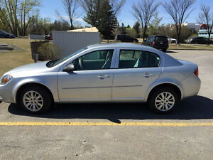 2009 Chevrolet Cobalt LS Sedan Low Mileage Looks Brand New