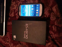 MINT Galaxy S3 White  / Unlocked / Tempured glass / Otterbox / +