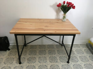 Almost new Ikea Kullaberg table