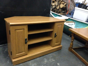 Wanted.  CORNER TV STAND/UNIT