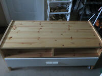 TV stand Pine one drawers very good condition
