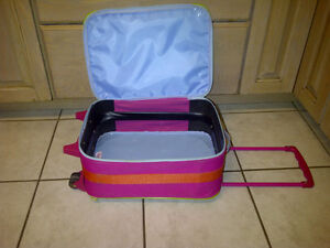 suitcase Kitchener / Waterloo Kitchener Area image 3