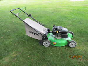 "20"" TRU-START SELF-PROPELLED LAWNBOY LAWNMOWER"
