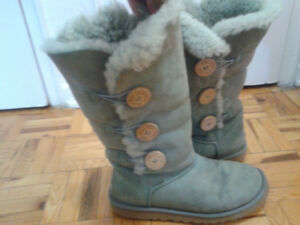 UGG light green winter boots,size 8