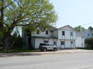 Investors! Live-In Land Lords! Exceptional 5 Unit Multiplex!
