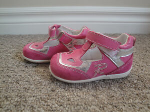 Brand New Romagnoli Made in Italy Pink Suede Velcro Girl Shoes
