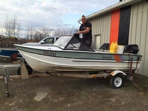 16'princecraft with 40horse evinrude motor and tilt trailer